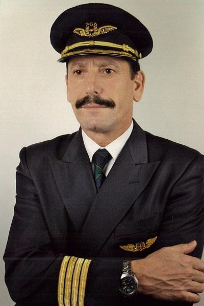 Airline Captain Júlio Guerra
